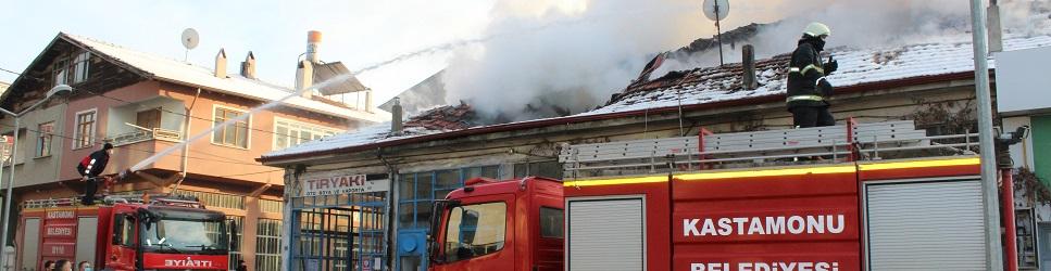 Eski Sanayi'de yangın paniği